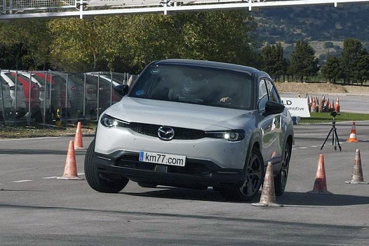 Mazda MX-30 лосиный тест