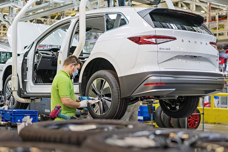 В Чехии стартовало серийное производство электрокара Skoda Enyaq iV