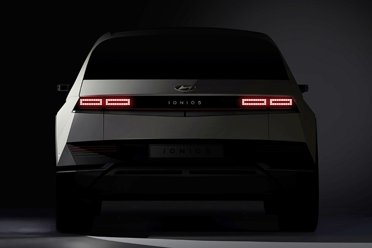 Hyundai Ioniq 5 вид сзади