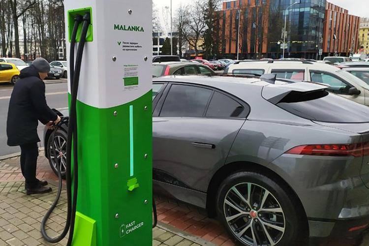 Jaguar I-Pace зарядка Malanka