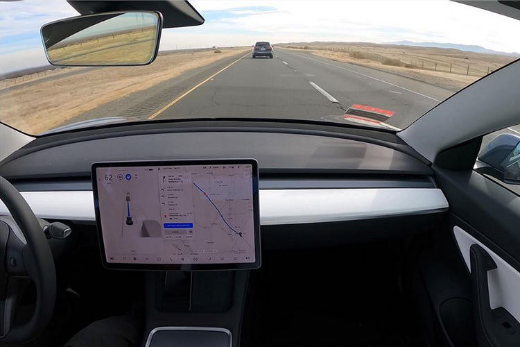 Автопилот Tesla проехал из Сан-Франциско в Лос-Анджелес