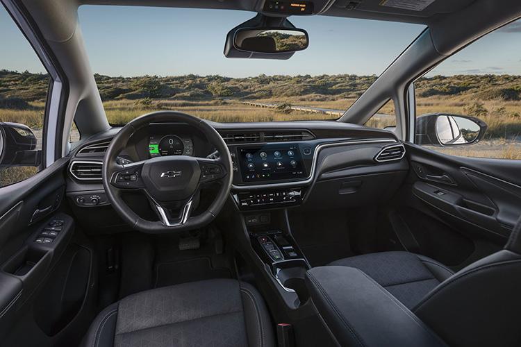 Chevrolet Bolt рестайлинг интерьер