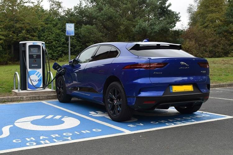 Jaguar I-Pace зарядка