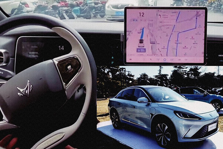 Arcfox Alpha S с автопилотом Huawei Inside
