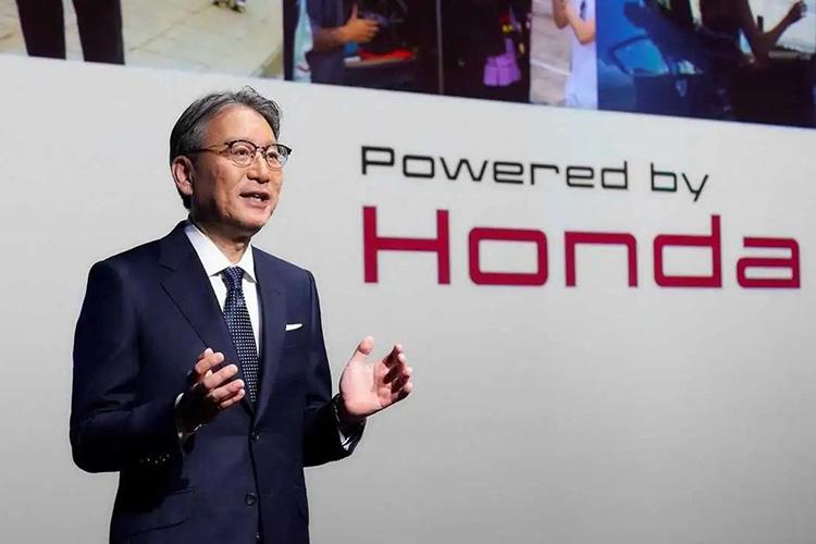 директор Honda Тосихиро Мибе