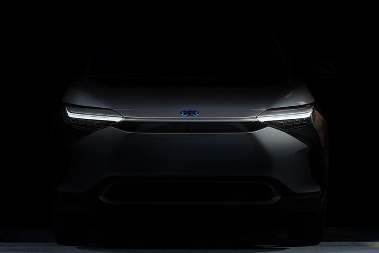 электрический паркетник Toyota концепт Шанхай