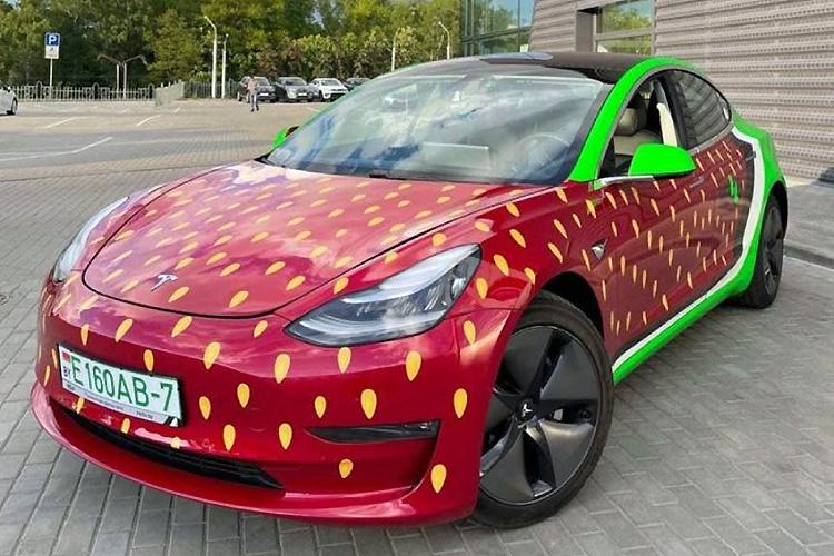 каршеринг Hello Tesla Model 3