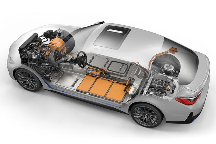 BMW i4 внутреннее устройство
