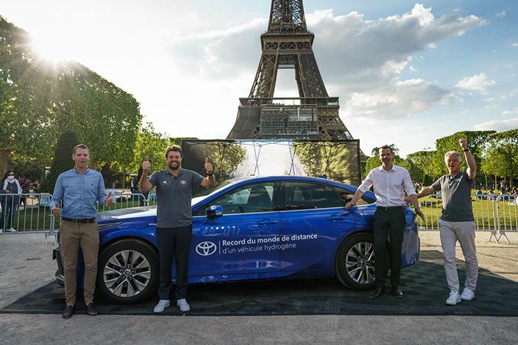 Toyota Mirai поставил рекорд пробега на водороде