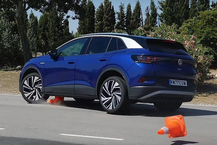 Volkswagen ID.4 лосиный тест