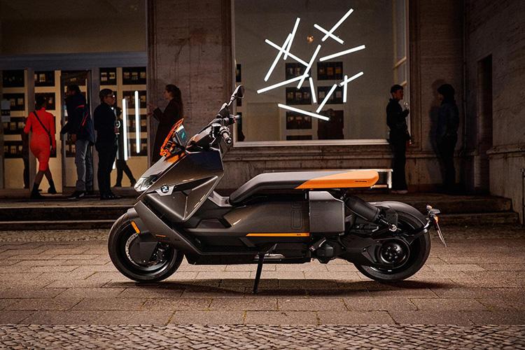 BMW выпустил электрический скутер CE 04