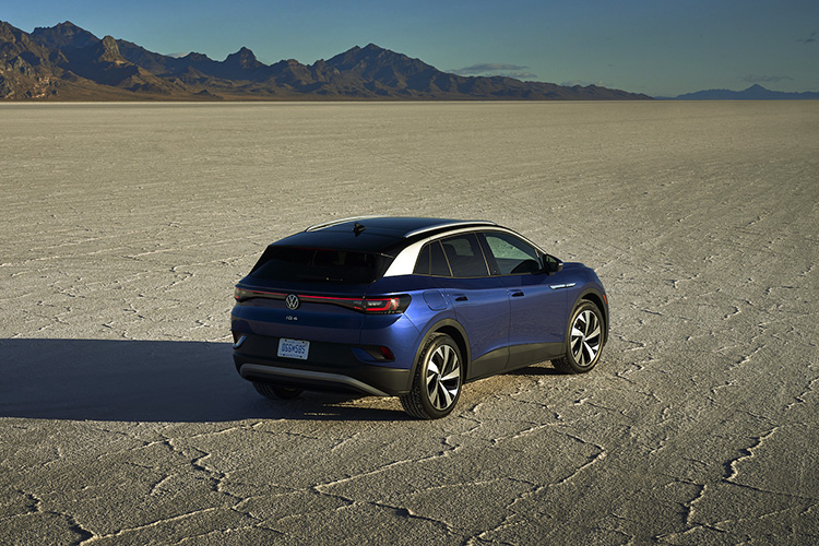Volkswagen ID.4 в пустыне